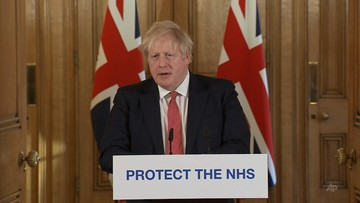 """Brytyjski premier nadal na intensywnej terapii. """"Jego stan się poprawia"""""""