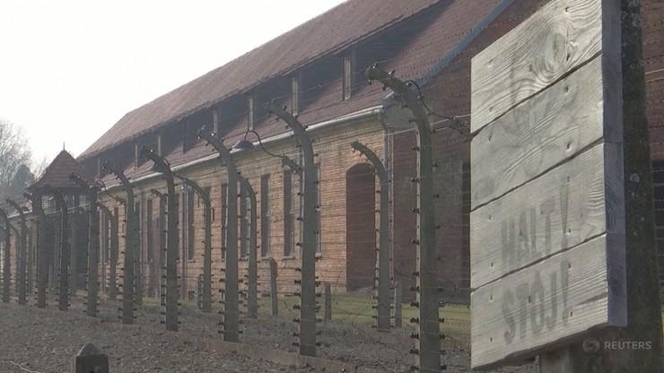 """""""Na wolność wychodzi się przez te kominy"""". Wspomnienia byłych więźniów obozu Auschwitz"""