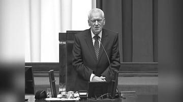 """""""Uczył mnie szacunku dla drugiego człowieka"""". Premier wspomina swojego ojca Kornela Morawieckiego"""