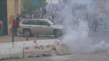 Protesty w Bejrucie, demonstranci w siedzibie MSZ. Policja użyła gazu łzawiącego