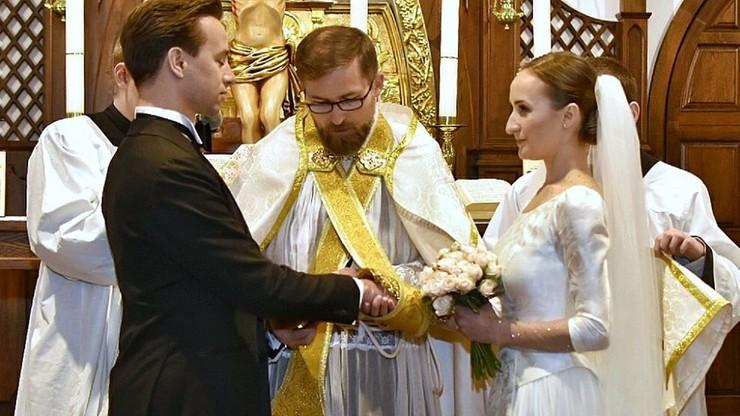 Kandydat Konfederacji na prezydenta wziął ślub. Kim jest żona Bosaka?