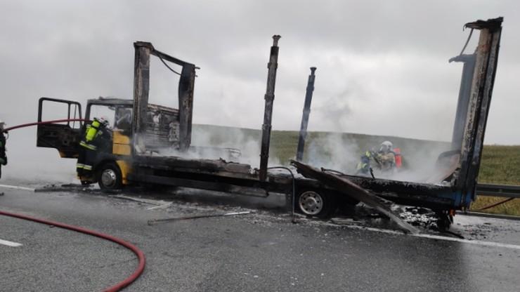 Pożar ciężarówki na A1. Droga zablokowana [WIDEO]