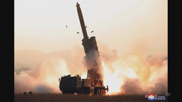 """Korea Płn. chwali się udanym testem """"bardzo dużych"""" wyrzutni rakietowych"""