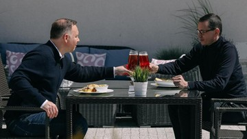 """Prezydent i premier na piwie. """"Praca, nie kłótnie"""""""