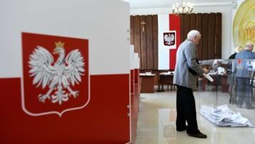 Głosowanie w wyborach parlamentarnych do godz. 21. Są jednak wyjątki