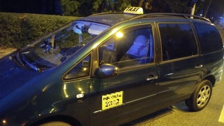 Kupił od złomiarzy taksometr za 20 złotych i udawał taksówkarza