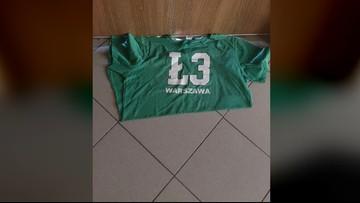 Koszulka Legii Warszawa służyła za wycieraczkę na policji w Poznaniu