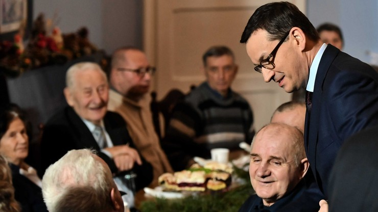 """Premier spotkał się z seniorami. """"Musimy zadbać o tych, którzy budowali podstawy naszej przyszłości"""""""
