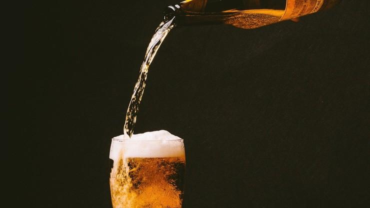 Piwo będzie słabiej gazowane? Przez epidemię spadły zapasy dwutlenku węgla