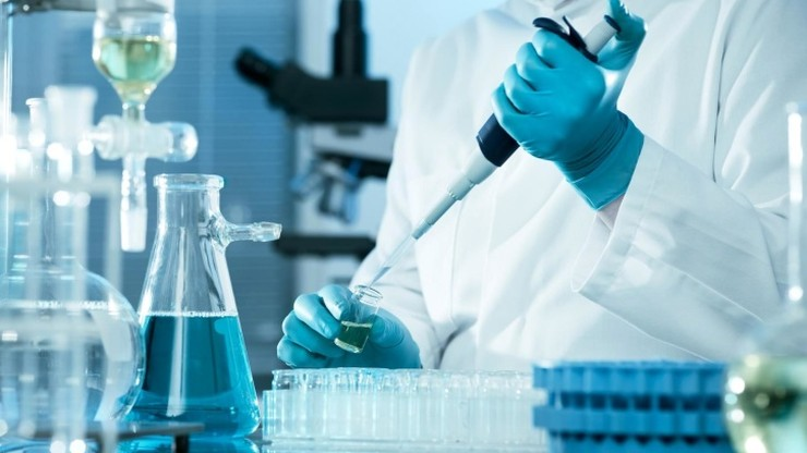 Szczepionka przeciw koronawirusowi. Rozpoczynają się testy na ludziach