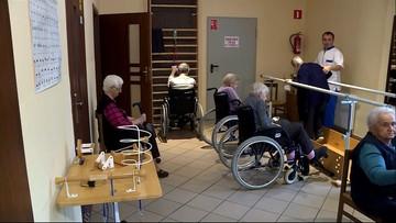 """<a href=""""https://www.polsatnews.pl/wiadomosc/2020-11-02/pensjonariusze-domu-seniora-pokonali-koronawirusa-wsrod-nich-stulatkowie/"""">Pensjonariusze domu seniora pokonali koronawirusa. Wśród nich stulatkowie</a> thumbnail  Koronawirus &#8211; Raport Dnia. Poniedziałek, 2 listopada vkdxstew7ug2662m62sdcz45av9tio5c"""