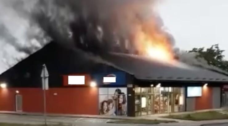 Podpalił kosz ze śmieciami, spłonął sklep. Straty - 2 mln zł