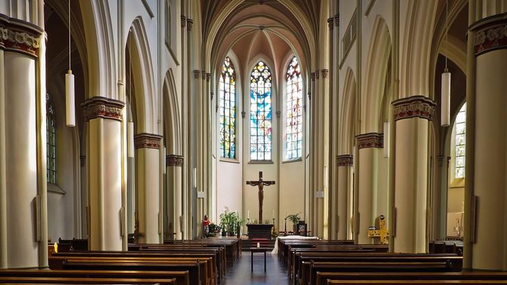 Koniec z limitem wiernych w kościołach. Dyspensy będą odwołane?