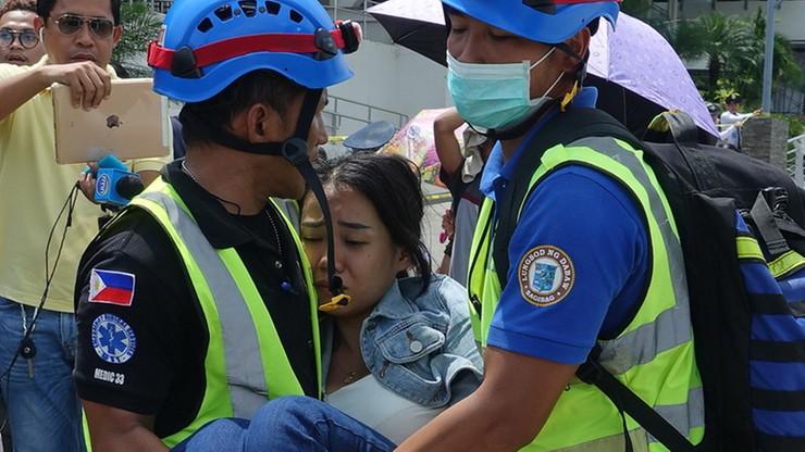 Silne trzęsienie ziemi na Filipinach. Na ulicach ludzie potrzebujący pomocy [WIDEO]