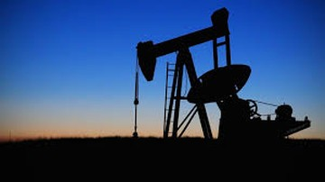 Minus 40 dolarów za baryłkę ropy. Magazyny zalane po korek