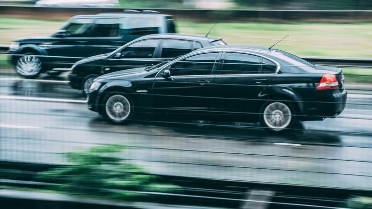 Auta rekordowo drogie. Pandemia wpływa na cenniki