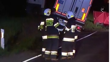 Zderzenie ciężarówki z busem. Zginęły  cztery osoby
