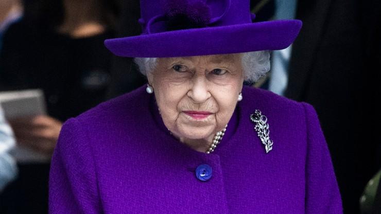 Z powodu epidemii Elżbieta II wysłała symboliczną jałmużnę pocztą