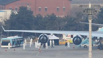 Ewakuacja z Wuhan. Samolot z obywatelami UE wyleciał z Chin