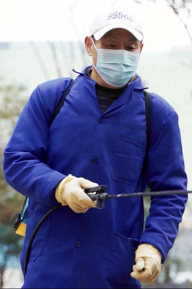 """2020-07-31 """"Covid-19: Walka z wirusem"""" według chińskich naukowców - fokus.tv"""