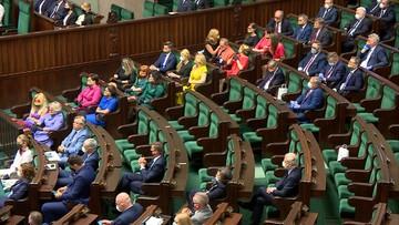 """Tęczowe flagi na zaprzysiężeniu prezydenta. """"Polska jest dla wszystkich"""""""