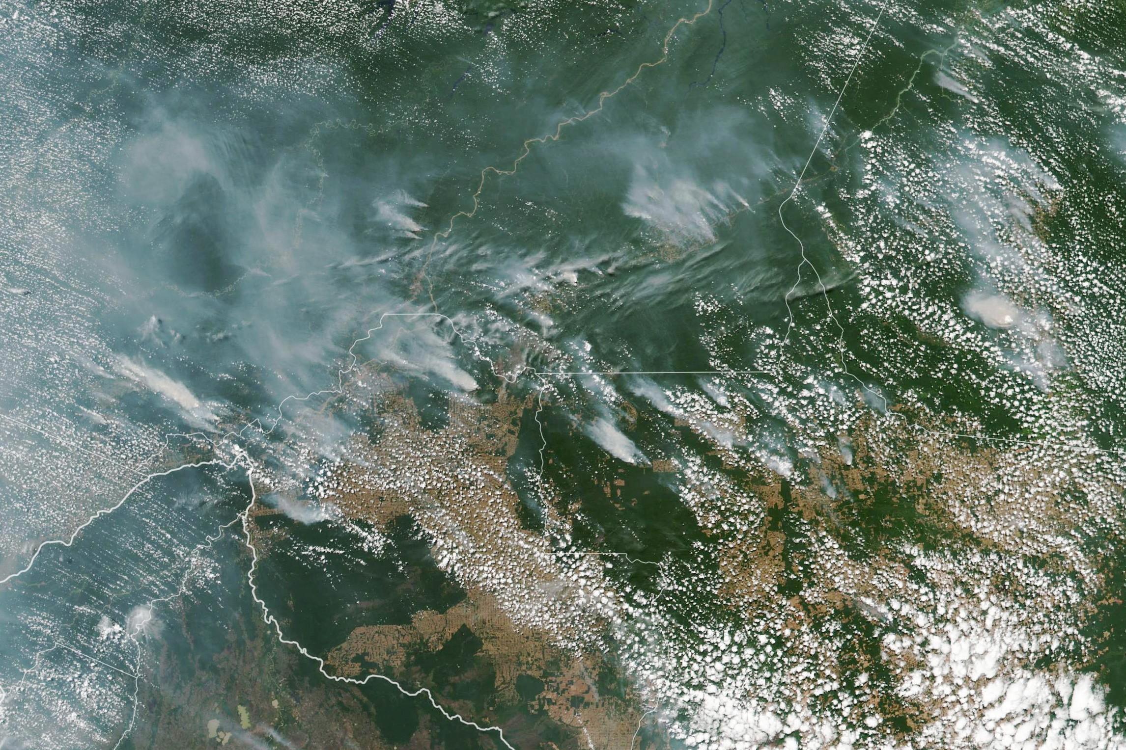 Płonąca Amazonia na zdjęciach NASA