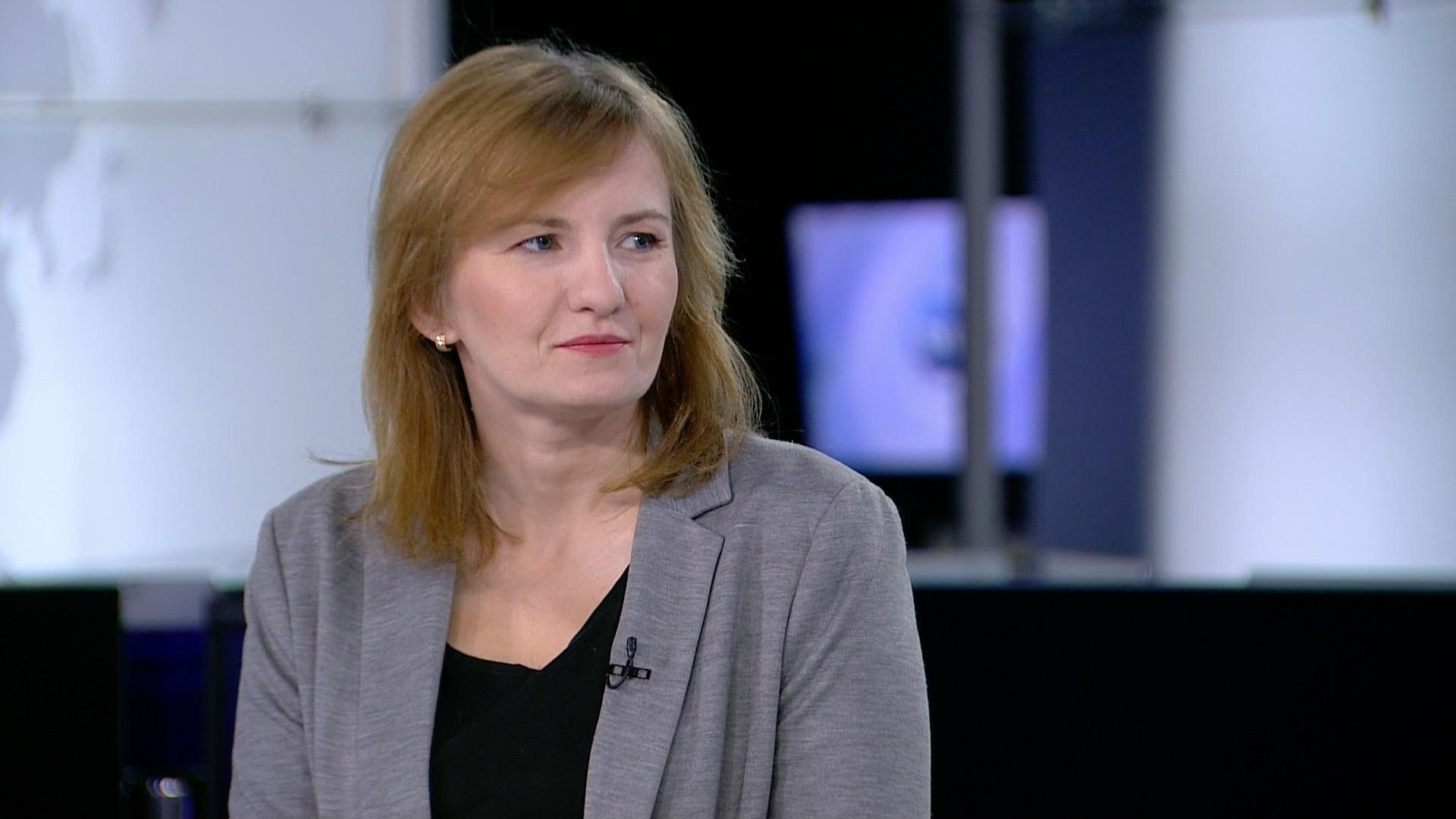 Beata Biel o fake newsach i innych zagrożeniach w sieci