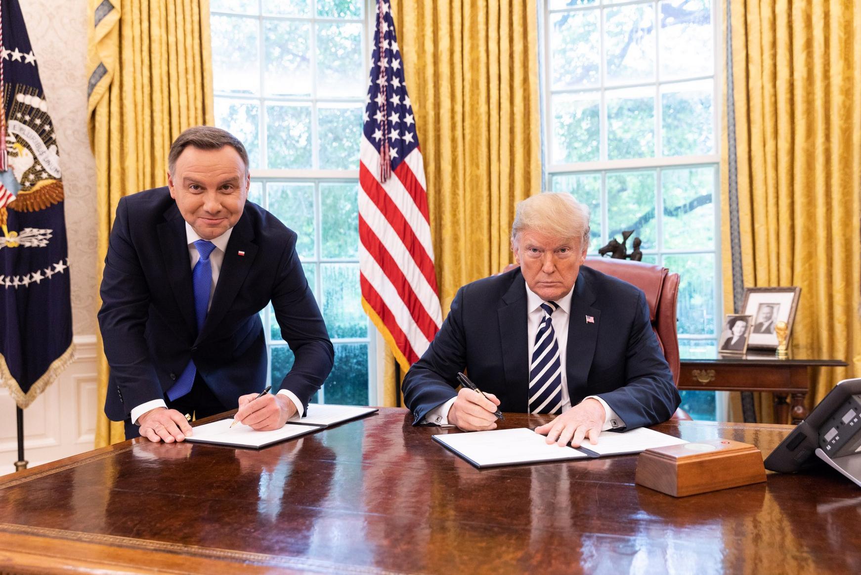 Prezydenci Polski i USA w Białym Domu podpisali wspólną deklarację