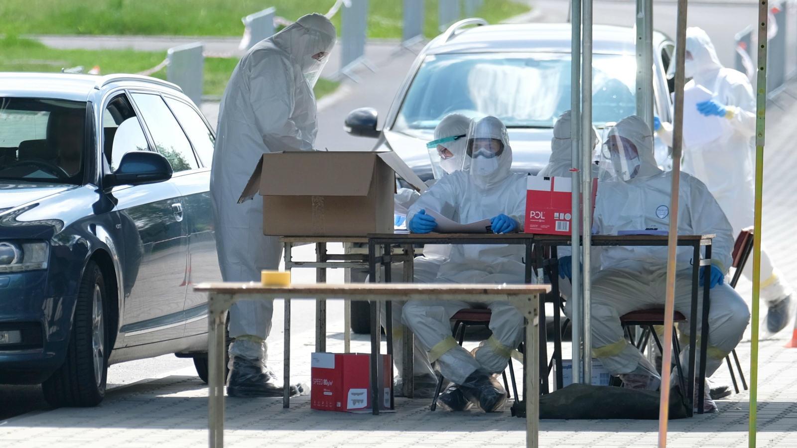 12.06.2020 | Epidemia COVID-19 wciąż trwa w Polsce. To zła wiadomość dla tych, którzy chcą wyjechać za granicę