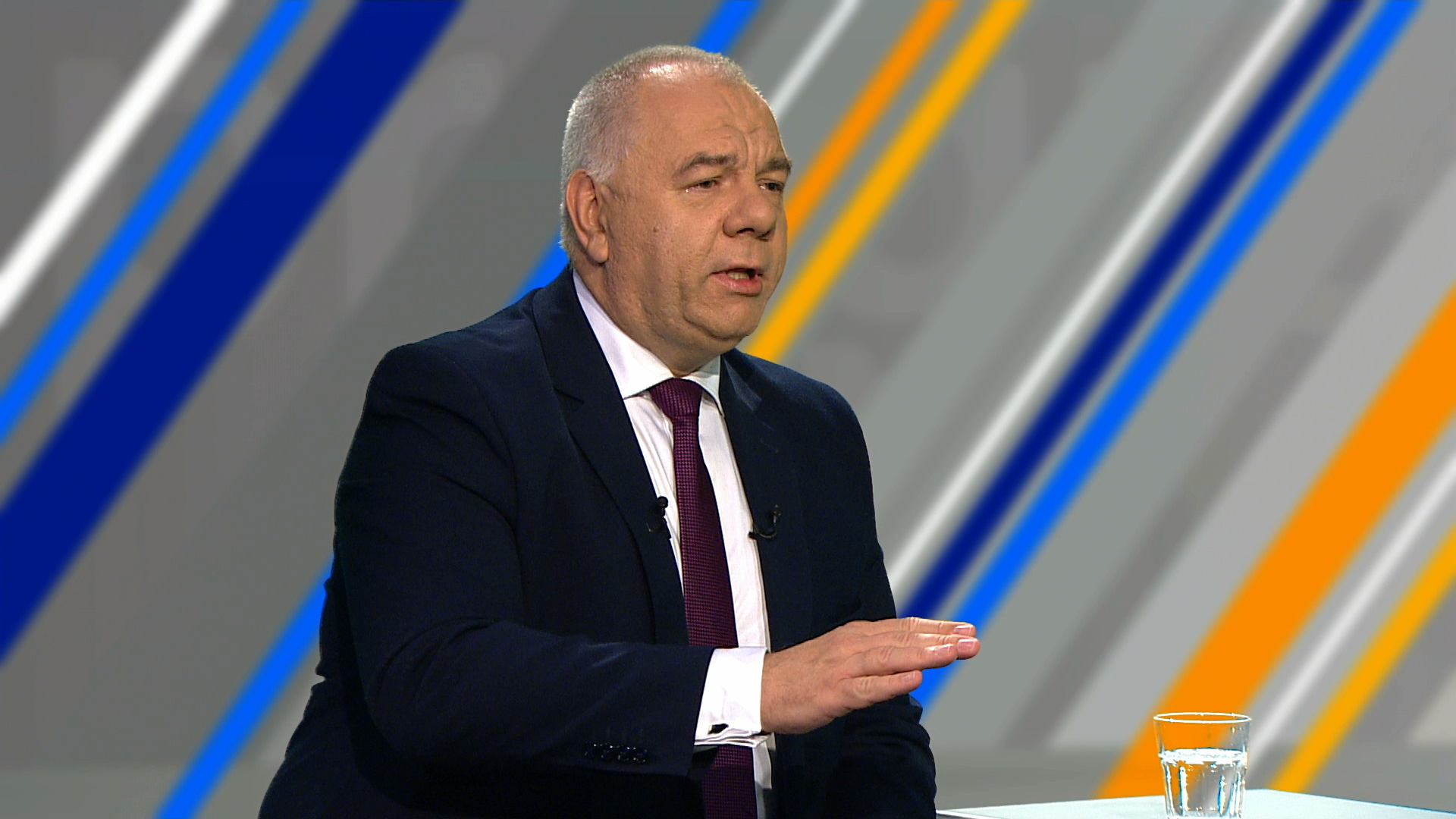 """""""Demokracja kosztuje"""". Jacek Sasin tłumaczy, na co poszło 70 milionów złotych"""