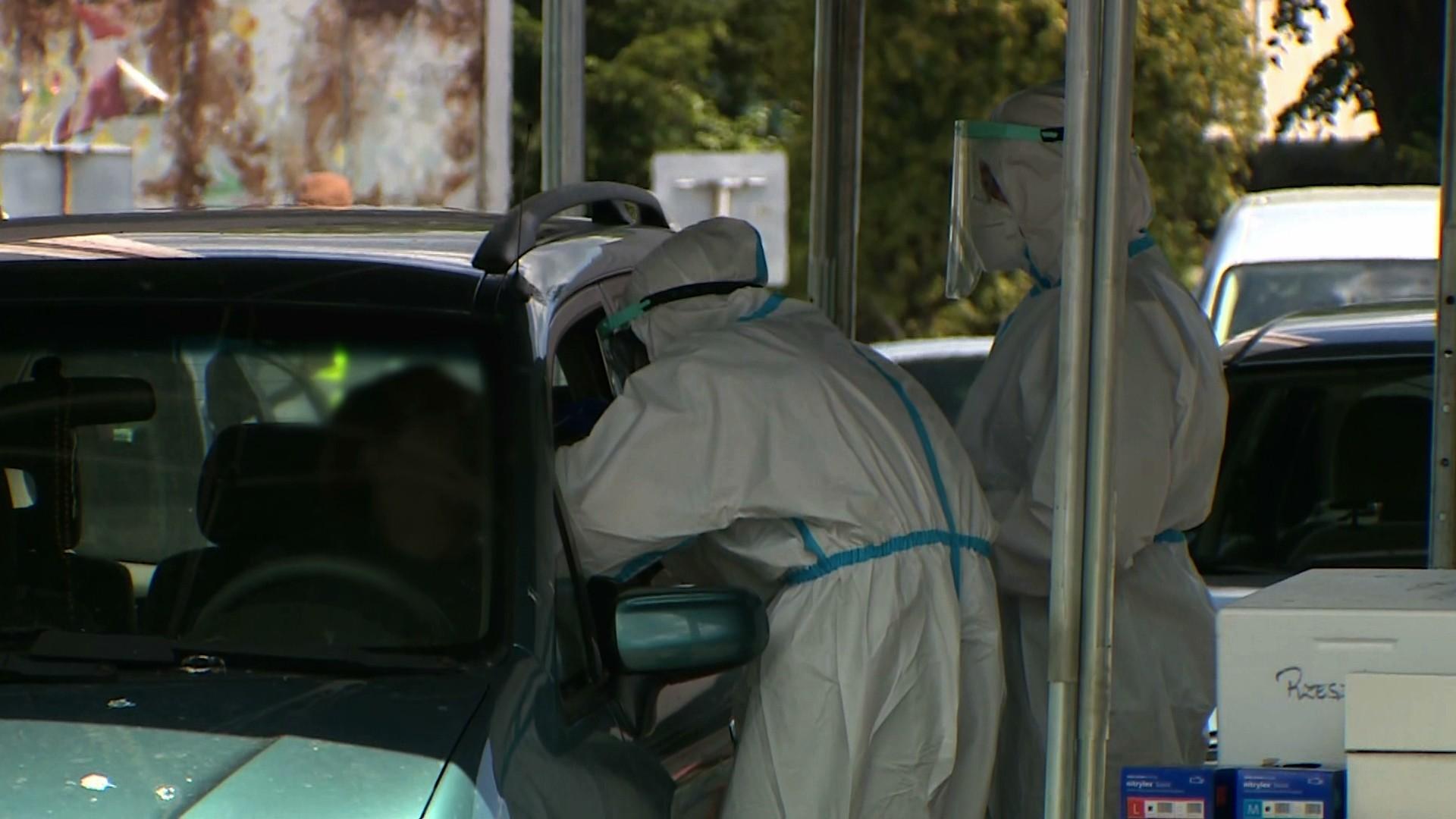 """03.06.2020   Ministerstwo Zdrowia twierdzi, że """"epidemia jest powoli wygaszana"""". Eksperci mają wątpliwości"""
